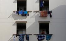 Gần một nửa lao động di cư ở Singapore đã mắc COVID-19