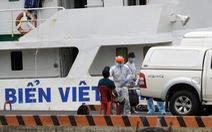 Đưa 11 thuyền viên tàu Xin Hong về bờ, còn 1 người Việt Nam mất tích