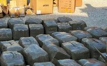 Khui vách hậu container, lộ ra hơn 6 tạ cần sa