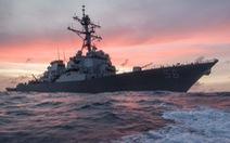 Tàu khu trục USS John S. McCain của Mỹ tới Trường Sa, Trung Quốc điều quân đội 'xua đuổi'