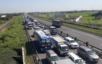 Chạy ẩu trên cao tốc: hại người khác