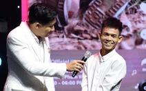 Chàng trai chăn bò Sô Y Tiết nhận giải truyền cảm hứng Tik Tok Awards