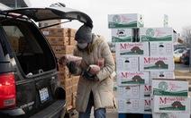Tuyệt vọng vì 'không thể kiếm sống', nhiều người Mỹ nóng lòng chờ cứu trợ