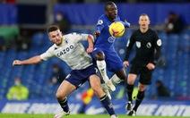 Bàn thắng gây tranh cãi của Aston Villa khiến Chelsea mất chiến thắng