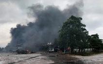Xe chở pháo hoa bất ngờ phát nổ, 4 người Việt bị thương trên đất Lào