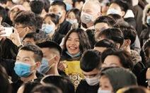 Hàng chục ngàn người Hà Nội, Đà Nẵng đổ ra đường đón năm mới 2021