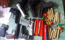 Bắt người bán vũ khí quân dụng qua mạng xã hội