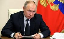 Tổng thống Putin ký một loạt luật, bao gồm phạt tù hành vi vu khống trên mạng