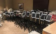 Những chiếc iPad nói lời vĩnh biệt - bức ảnh 'tan nát trái tim' đang chia sẻ trên mạng