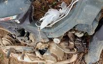 Bảo vệ rừng bị đe dọa, dằn mặt, đập phá xe