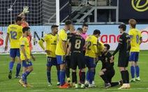 Messi sút 10 lần 0 bàn thắng, Barca bại trận trước 'tân binh' Cadiz
