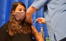 FDA Mỹ nói vắc xin COVID-19 của Pfizer/BioNTech an toàn và hiệu quả