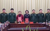 Vợ của hai liệt sĩ Đoàn 337 trở thành sĩ quan chuyên nghiệp