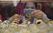 Giá vàng thế giới hụt hơi trước ngưỡng 1.900 USD/ounce
