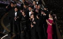 """Đạo diễn Bong Joon Ho sau chiến thắng Oscar: """"Mọi thứ thật điên rồ!"""""""