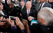 Ông Trump 'cà khịa' với tỉ phú Bloomberg