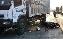 Xe tải tông 3 xe máy trên quốc lộ 51, một phụ nữ bị cán chết