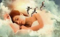 Ngủ mơ thấy mình khỏa thân nơi công cộng là một tín hiệu tốt!