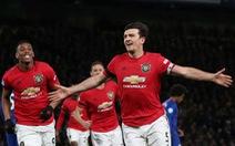 Báo Anh: 'M.U dựa vào VAR để đánh bại Chelsea'