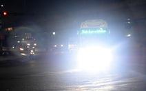 Quá nguy hiểm khi đối mặt mấy ông xe gắn đèn LED tự chế