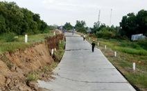 Đường phòng hộ đê biển Tây có đoạn sụt lún xuống 2 mét