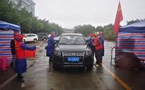 Tiến sĩ Trung Quốc nhiễm COVID-19 bị kỳ thị dù đã xuất viện, cha mẹ vạ lây
