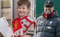CĐV nhí M.U 'năn nỉ' HLV Klopp để Liverpool thua trận