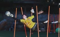 Đặng Văn Lâm bị 'thất sủng' trong ngày đại thắng của Muangthong United