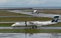 Đu trend khai nhiễm virus corona khiến máy bay phải quay đầu