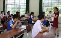 Học sinh lớp 12 sốt ruột vì dịch cúm