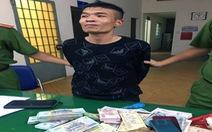 Cắt mái tôn đột nhập FPT Shop trộm hơn nửa tỉ đồng