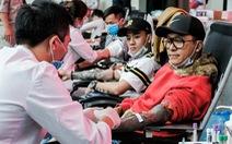 Hàng ngàn người hiến máu trong những ngày dịch corona phức tạp