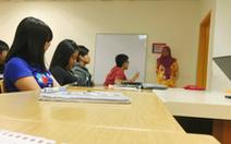 Trường đưa 100 sinh viên đi Malaysia học, phụ huynh 'lên ruột' vì... sợ corona