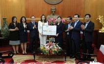 Chung tay đẩy lùi dịch COVID-19: Tập đoàn TH tặng 1 triệu ly sữa tươi