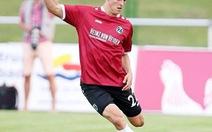 Trung vệ Timo Hubers là cầu thủ đầu tiên dương tính với COVID-19