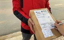 J&T Express gắn 'Thẻ Bưu kiện an tâm' trên từng bưu phẩm