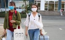 Sinh viên gói ghém rời ký túc xá Đại học Quốc gia TP.HCM