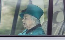 Nữ hoàng Anh tự cách ly phòng dịch ở lâu đài Windsor