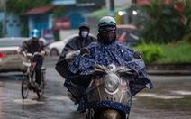 'Đúng điệu Sài Gòn': nắng sáng mưa chiều, Hà Nội giảm ô nhiễm