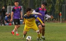 HLV Mai Đức Chung loại 3 cầu thủ trước khi sang Úc đá play-off đi Olympic