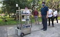 Thầy trò chế tạo robot phục vụ người cách ly vì dịch COVID-19