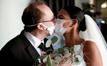 Số người chết tăng vọt, CDC Mỹ xem xét lại có nên khuyên đeo khẩu trang phòng virus corona