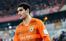 Cựu tiền vệ Manchester United Fellaini nhiễm corona ở Trung Quốc