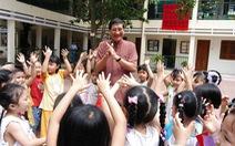 Khúc hát đôi bàn tay - món quà dễ thương của nhạc sĩ Phạm Tuyên mùa COVID-19
