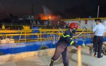 Cháy tàu chở dầu trên sông Đồng Nai, một người mất tích