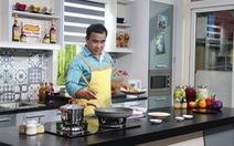 Mấy giờ rồi? Mở tivi coi chiều nay Quyền Linh nấu món gì đi ông?