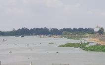Hàng chục ghe lúa từ Campuchia về 'tắc' ở cửa khẩu Vĩnh Hội Đông