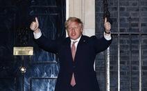 Thủ tướng Anh nhiễm virus corona