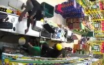 Táo tợn khống chế nhân viên cướp tài sản tại cửa hàng Bách Hóa Xanh ở TP.HCM