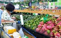 Sau chỉ thị 'cách ly toàn xã hội', siêu thị ở TP.HCM gạo, thịt... vẫn đầy ắp